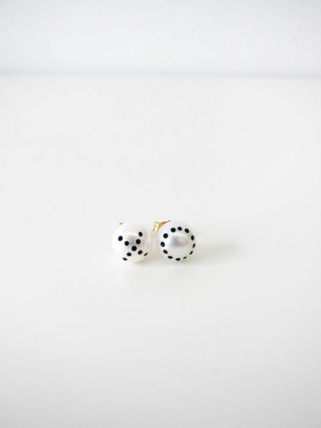 Nektar De Stagni Pearl Hugs & Kisses Earrings