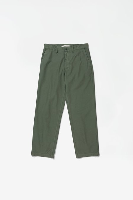 Norse Projects x GM Lukas Backsatin Chino - Thyme Green