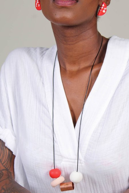 Peppertrain Andy Necklace - Red/Nude