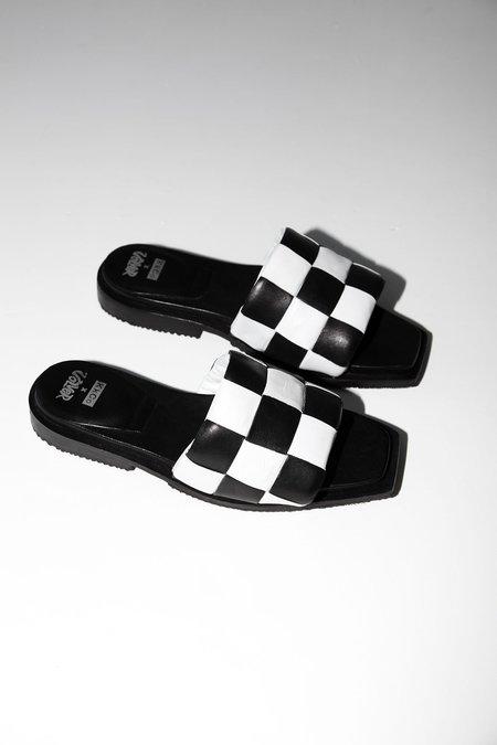 unisex KkCo THE SLIDE PLUS sandal - Black/White