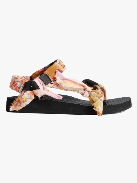 Xirena Trekky Sandal - Las Flores