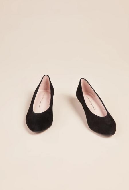 """INTENTIONALLY __________."" Campy heels - Women's - Black"