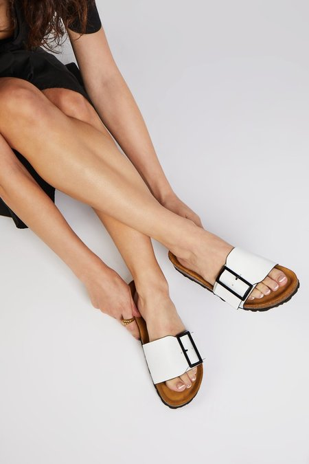 """""""INTENTIONALLY __________."""" CLAIRE sandals - White"""
