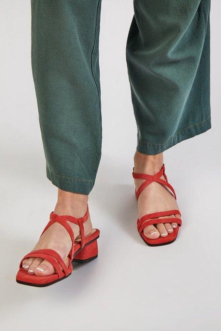 """INTENTIONALLY __________."" HILLTOP heels - Cherry"