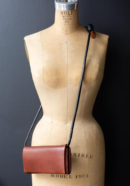 Methodology Cocoa Leather Wallet Bag - brown