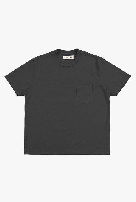 Unisex Les Tien Heavyweight Pocket Tee - Vintage Black