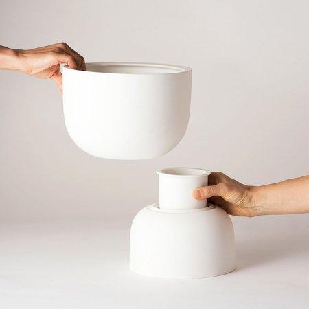 Angus & Celeste Raw Earth Plant Stand Pot - Chalk White