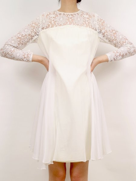 Vintage lace sleeve wedding dress - off white