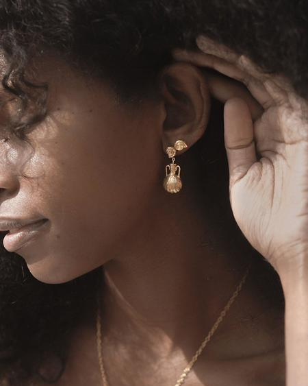 Pamela Love Seashell Earrings - Gold
