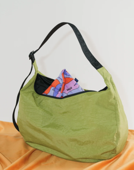 Baggu Large Nylon Crescent Bag - Green Apple