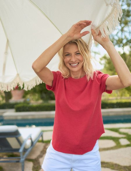 Frank & Eileen Perfect Tee - Double Decker Red