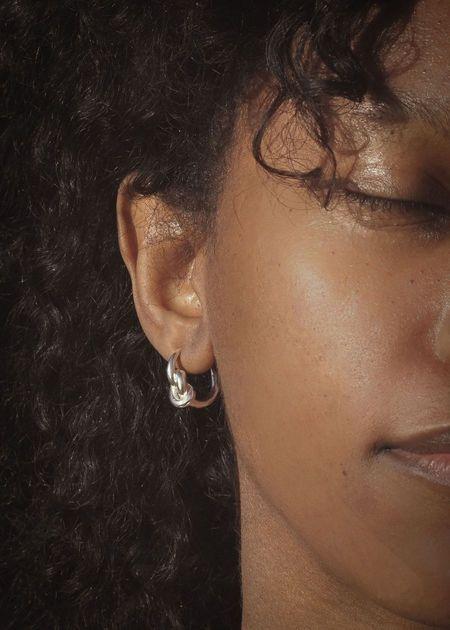 Amanda Hunt Nodo Hoops Earrings - Silver/Bronze