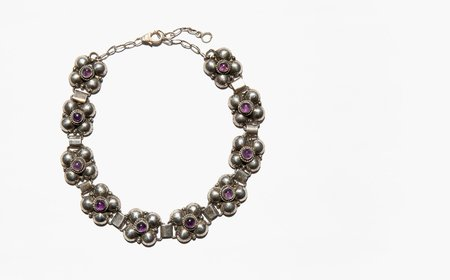 Vintage The Queen's Collar