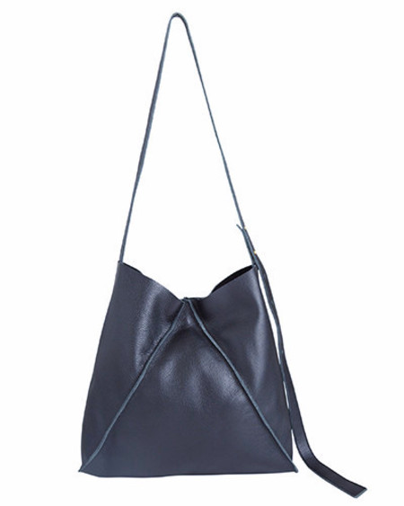 Oliveve jasper shoulder bag in navy pebbled leather