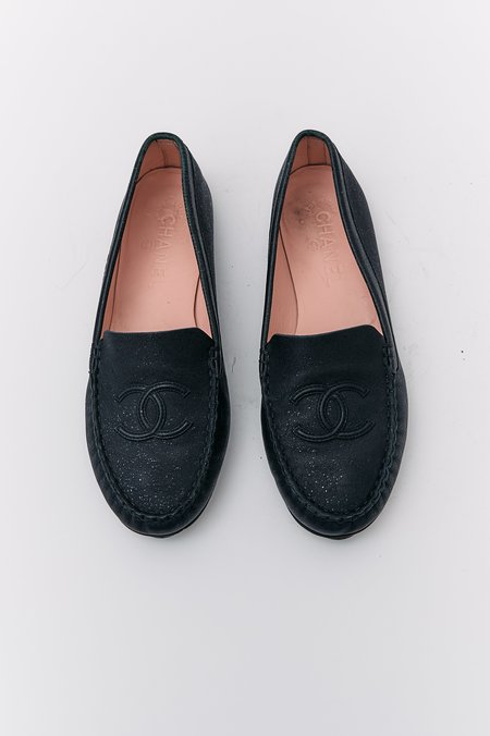 PRE-LOVED Chanel Leather Logo Loafers - BLACK