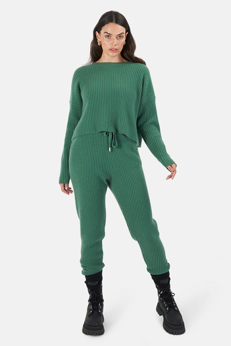The Tile Club Chase Crop Sweater - Green