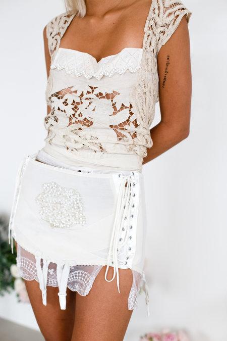 Sydney Pimbley Lace Up Super Mini Skirt - white