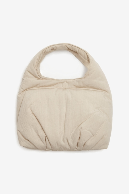 AMOMENTO Small Padded Bag - Beige