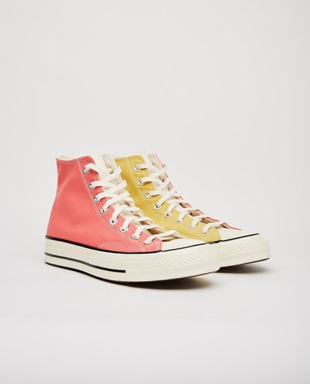 Converse Chuck 70 Saturn Shoes - Gold/Pink