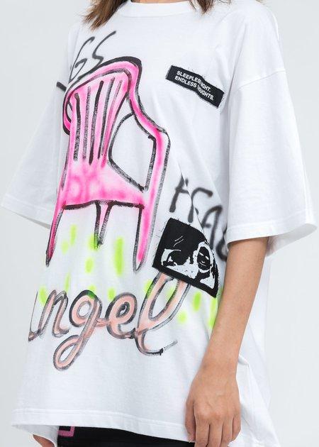 Guernika Paint T-Shirt - White/Pink Chair
