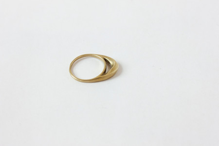 K/ller Twisted Dome Ring - Brass