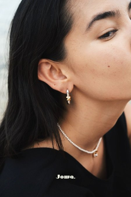 S_S.IL KNOT LOCK EARRINGS - WHITE GOLD