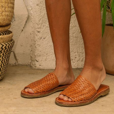 The CANO Shoe B Stock Laura shoes - Natural Cognac