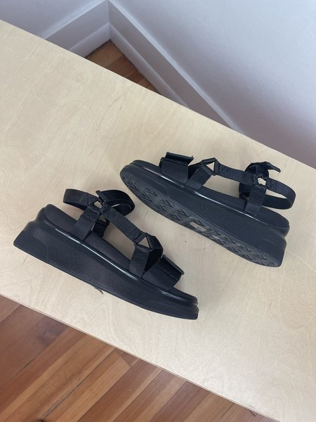 pre-loved Suzanne Rae Velcro Sandals - black
