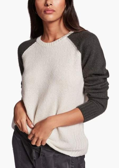 James Perse Cashmere Raglan Crew Sweater - Ivory / Muddy Green