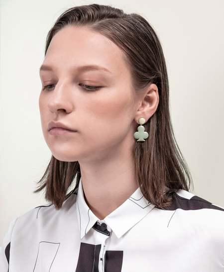 MATTER MATTERS Diamond & Club Stud Earrings - Ston/Pea Green