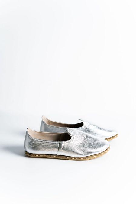 Ocelot Market Women's Turkish Yemeni Loafers - Silver