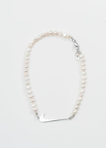SANN STELLER Pendant And Small Pearl Necklace - Silver