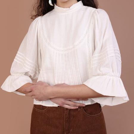 Meadows Amaryllis Top - White