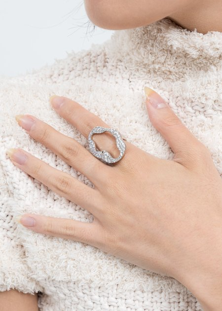 DEPARTMENT Cell Division Ring - White Gold