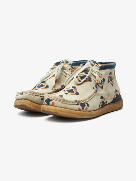 PRE-LOVED Visvim Ornament Printed Crepe Sole Mid Top Walabee Leather Sneakers - BEIGE