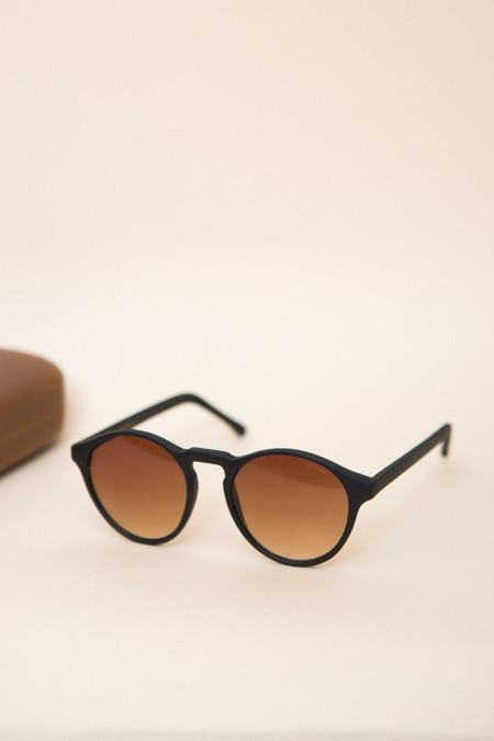 KOMONO Devon Sunglasses - Black Rubber
