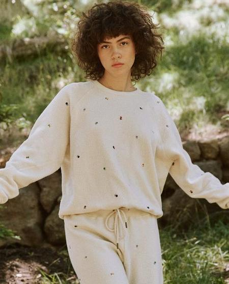 The Great. The Sherpa College Ditsy Floral Embroidery. Sweatshirt - Washed White