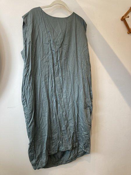 Morningtide LOOP Black Crane Dress - Sage Green