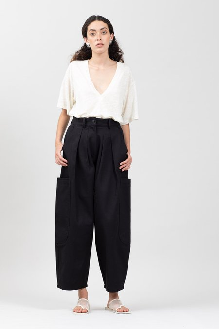 Toit Volant PLEATED CARGO TAPERED PANTS
