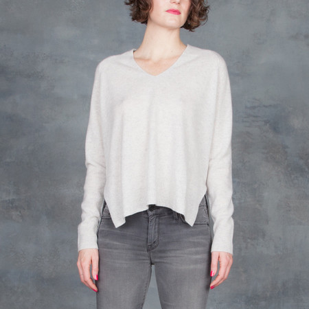 Duffy V-Neck Sweater with Color Block Grey