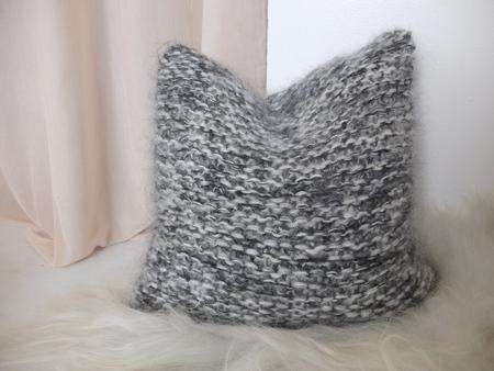 Doucement ryan pillow