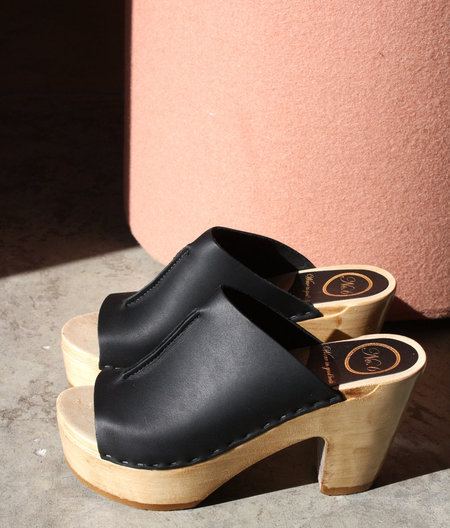 No.6 Front Seam Platform in Black