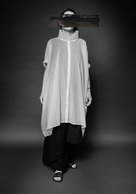 MAKS Oversized Asymmetric High Neck Cropped Sleeve Snap Front Tunic - White