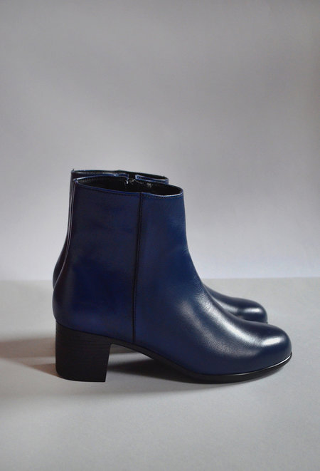 HOPP Zip-up Ankle Boot - Navy