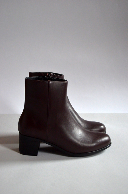 HOPP Zip-up Ankle Boot - Burgundy