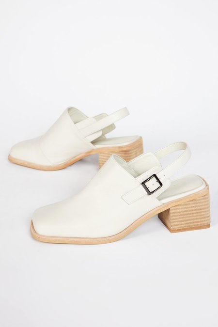 """""""INTENTIONALLY __________."""" MARTY 2 shoes - Cream"""