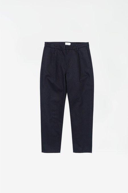 Still By Hand Denim tapared pants - dark navy
