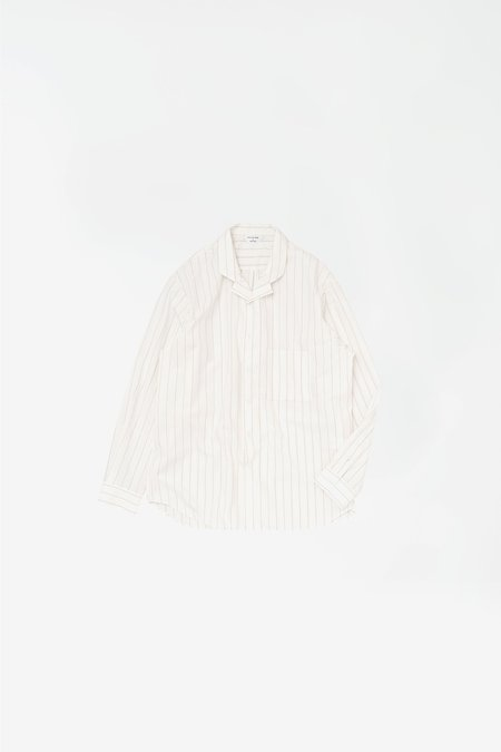 Still By Hand Striped open collar shirt - white stripes