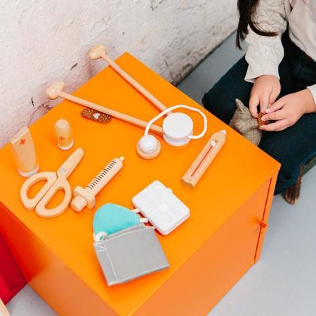 kids Make Me Iconic Doctors Kit toy