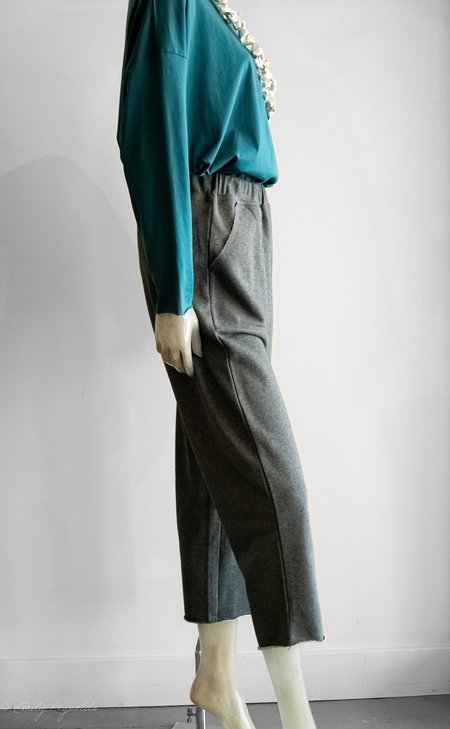 Paper Label Cotton Cropped French Terry Pant - charcoal gray